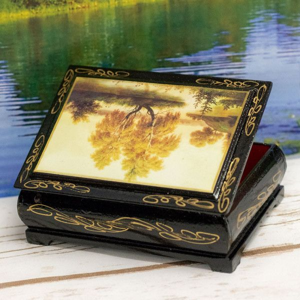 lacquer miniature jewelry Box